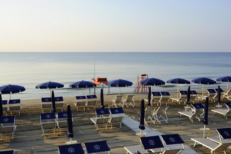 Matrimonio Spiaggia Alassio : Hotel con spiaggia bar ristorante alassio liguria