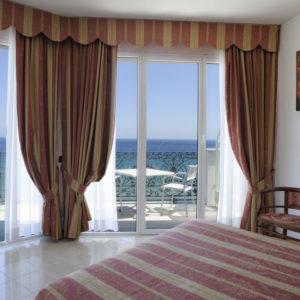 suite hotel alassio