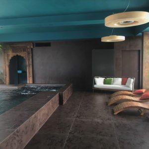 Hotel con piscina coperta